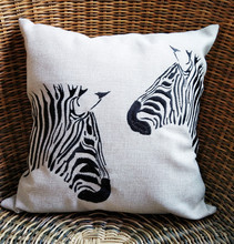 Fashion Embroidery Or Digital Printed Custom Cushion Cover