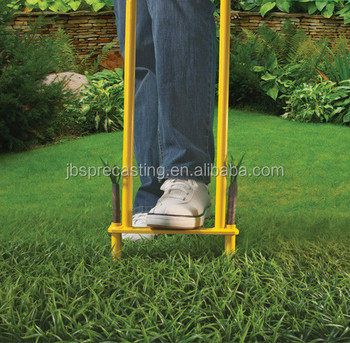 Customized Handy Garden Tools Grass Aerator