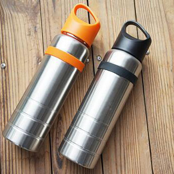 High Quality 700ML single wall stainless steel sport water bottle for outdoor with screw lid that can be carried