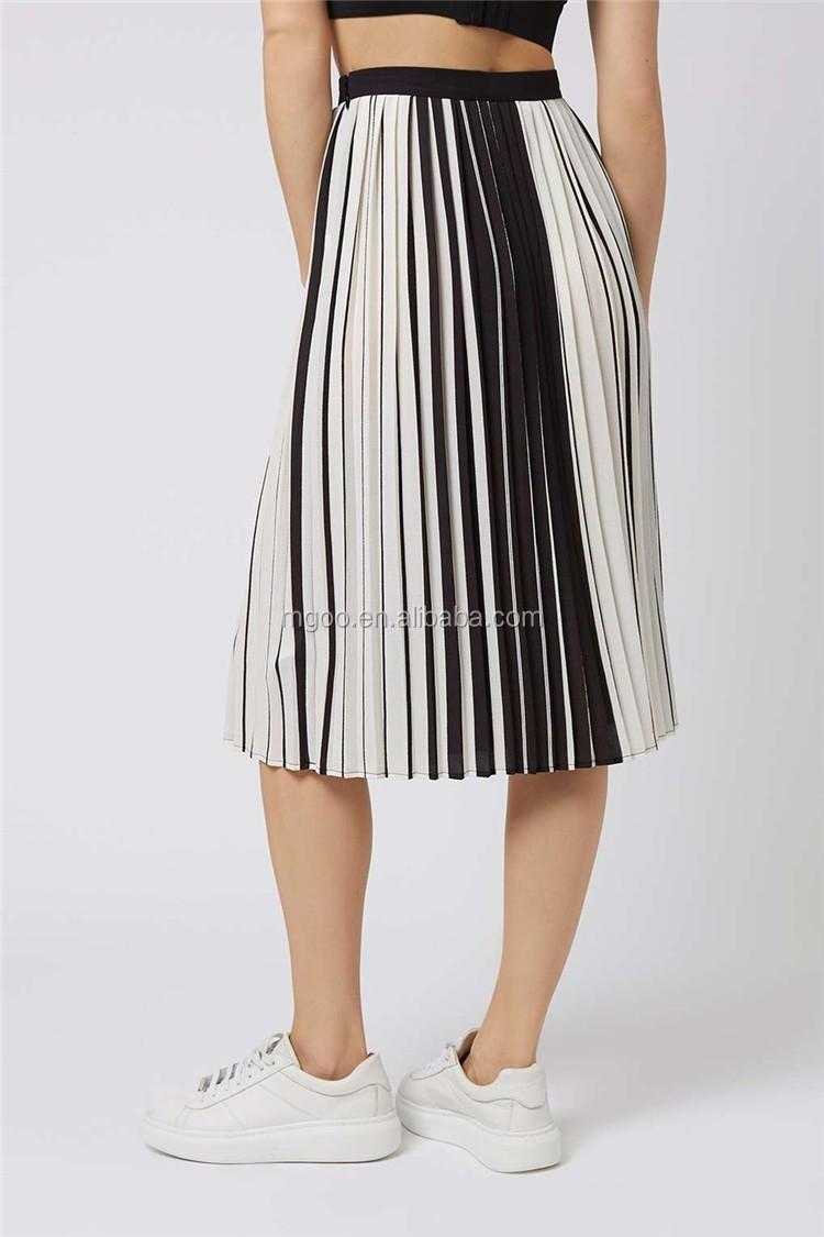 Alibaba fábrica made Stripe plisado medias faldas de gasa plisada moda faldas  blanco y negro faldas 42ecda93fcc7