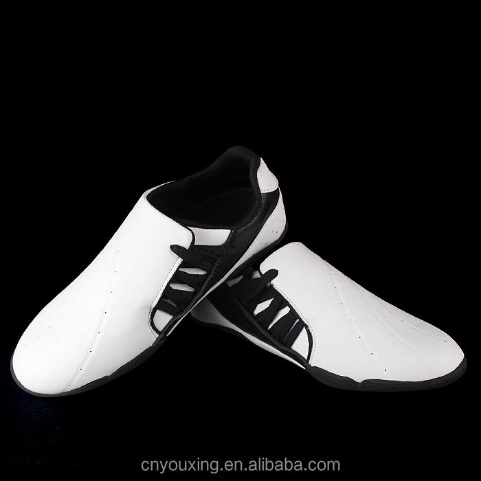 chaussure taekwondo nike