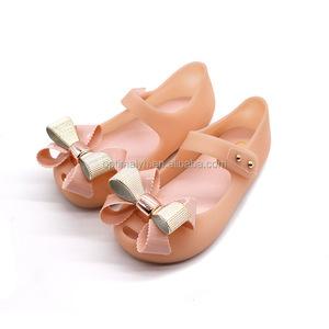 e8bd6734696e Wholesale bow design kids girls pvc jelly shoes cute beach sandals