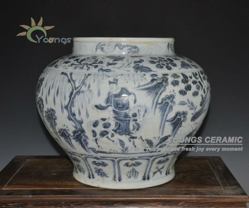 Antique Yuan Reproduction Chinese Blue And White Porcelain Figure