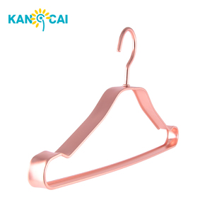 Factory Supply Rose gold metal suit wide shoulder hanger clothing rack