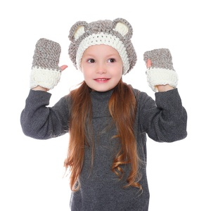 Kids Handmade Crochet Animals Bear Cable Knit Cuff Beanie Hat Wholesale Warm Baby Christmas Knitted Winter Gloves And Hat Set