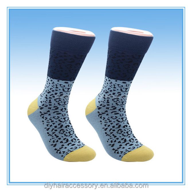 New fashion colorful socks cotton gentlemen Quilted Jacquard line hit color business Leisure men's socks