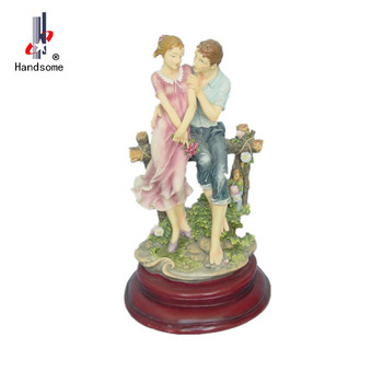 Whole Wedding Gifts Items Souvenirs Resin Statue