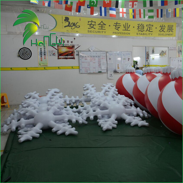 Multi-color Hanging Lighting Inflatable Snowflake / Christmas LED Decorative Inflatable Snow Model
