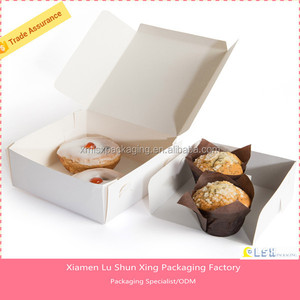 2018 the USA designing cake triangle box with ribbon handle