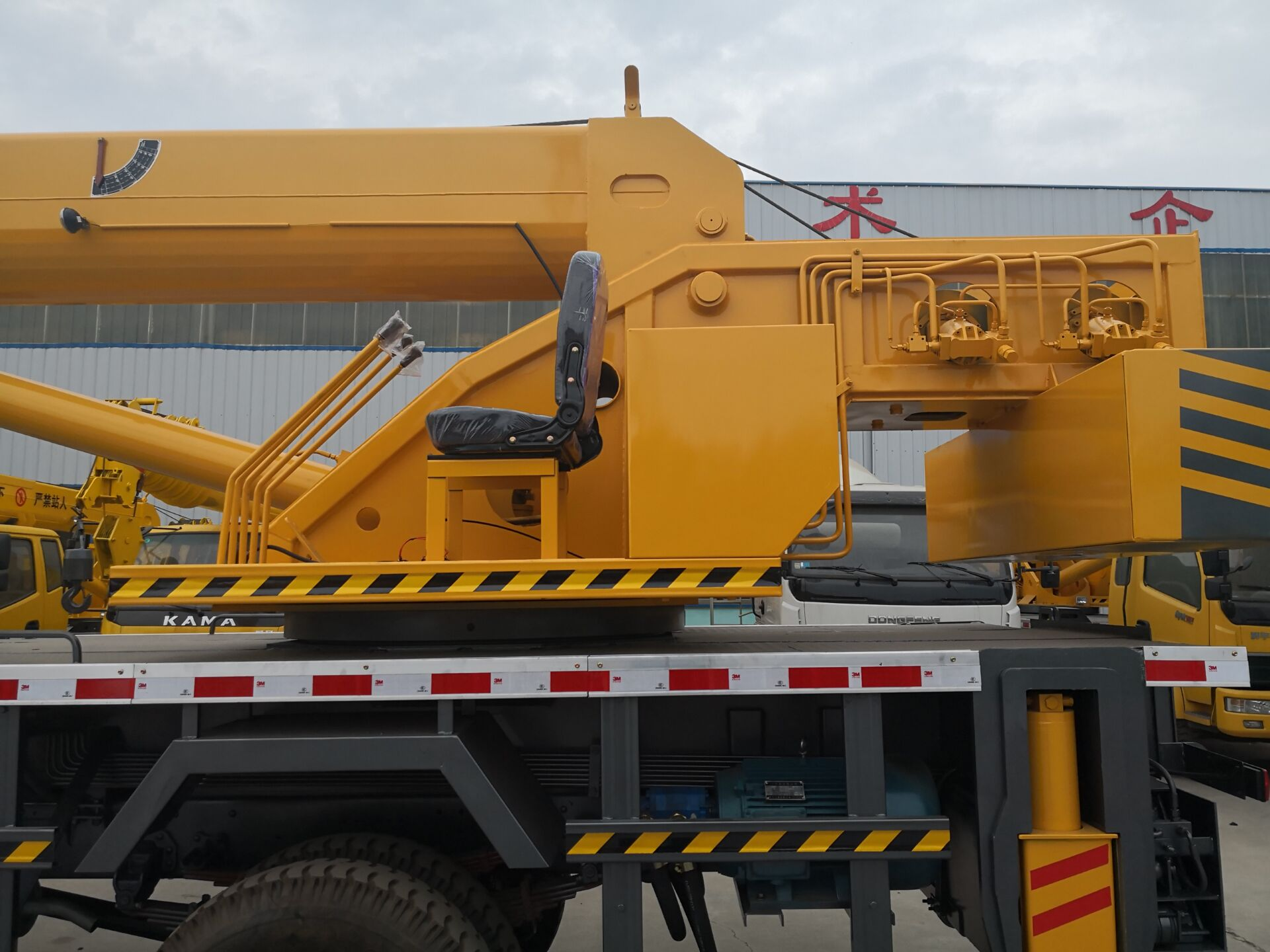 Barato 16 ton auto carregamento do caminhão com guindaste do fabricante
