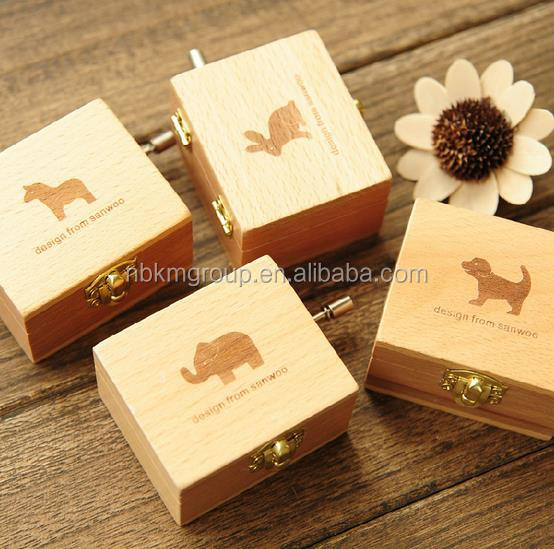 Hot Sale Creative Birthday Gift Wooden Music Box Old Fashioned