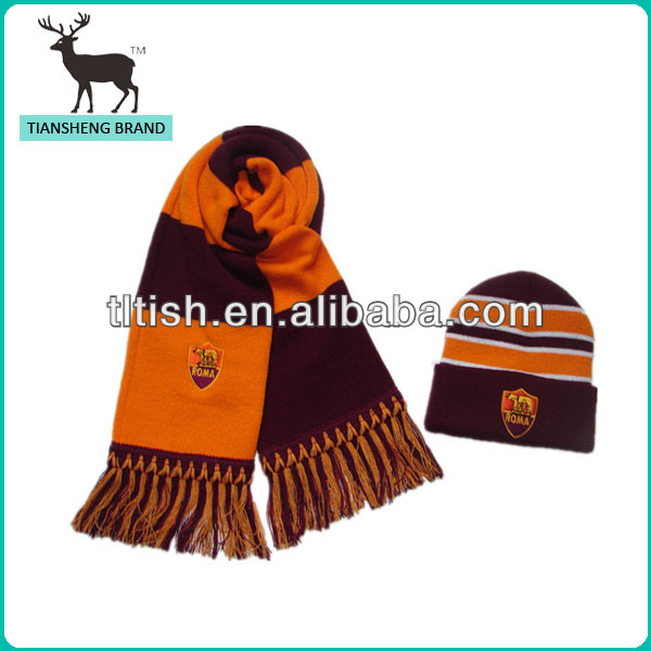 Competitive price knitted scarf set with embroidery detail