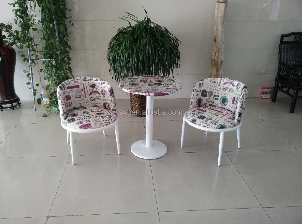 Hot selling dining room sets fabric and metal design leisure chairs and table