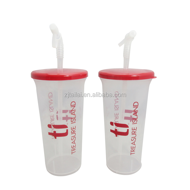 32 OZ Pool cup with corrugated straw