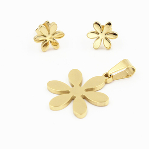2019 Wholesale Fashion Gold Plated Stainless Steel Crystal Flower Fancy Stainless Steel Necklace Earrings Jewelry Sets
