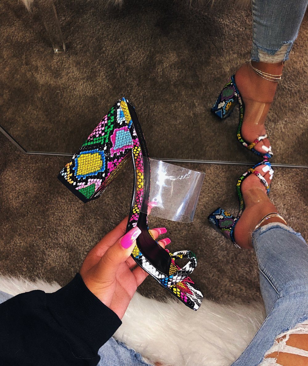 SD-047 2019 Beautiful fashion ladies colorful snakeskin print high heel sandals with transparent strap women <strong>slipper</strong>