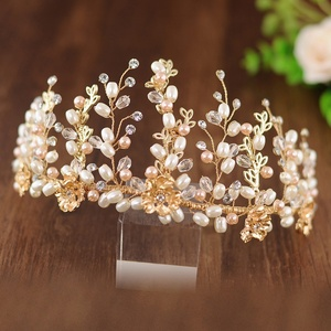 HP222 Handmade Gold Curly Style Bridal Crowns,Oval Pearls Bridal Hair Ornament Wholesale