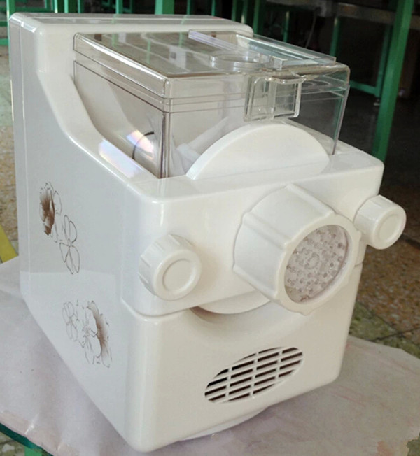 Household automatic noodle making machine