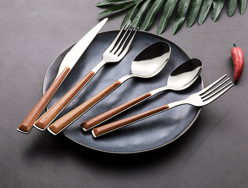 Amazon hot sale 24 pcs Spoons forks knives stainless steel dinner set plastic wood handle cutlery set