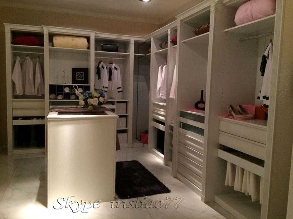 armarios con mesa de vestir