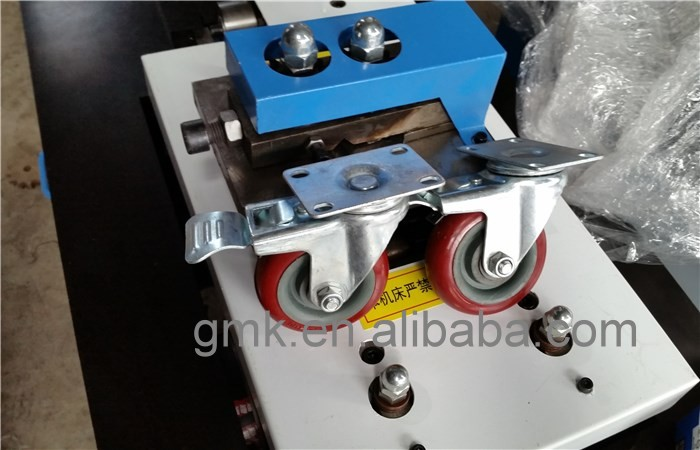 snap lock machine