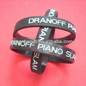 Custom 3D embossed silicone wristbands / emboss 3d logo silicone bracelets