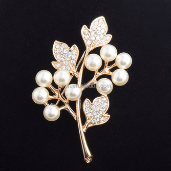 Special Lady Women Party Clear Rhinestone White Pearl Leaf Brooches Beautiful Leaf-shape White Freshwater Pearl Brooch