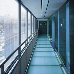 commercial non-breakable glass non-slippery floor structural anti slip or non slip glass floor prices