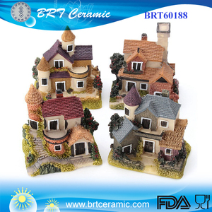 outdoor decoration miniature custom resin garden cottage house