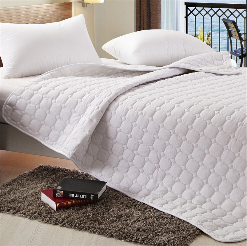 Feather Fabric Bed Pad Thickened Folding Hotel Bed  Protection Mattress