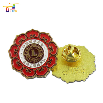 Wholesale custom OEM souvenir pin badge metal badge