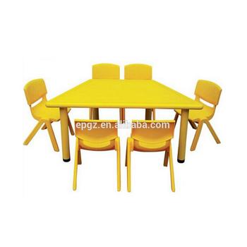 Tavoli Per Bambini In Plastica.Disegno Tavolo E Sedia Di Plastica Per Bambini Grande Rotonda Per