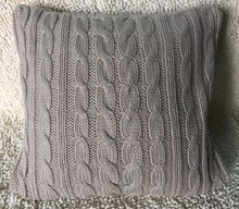 Wholesale 100% Acrylic Knit Cable Jacquard Cushion Pillow