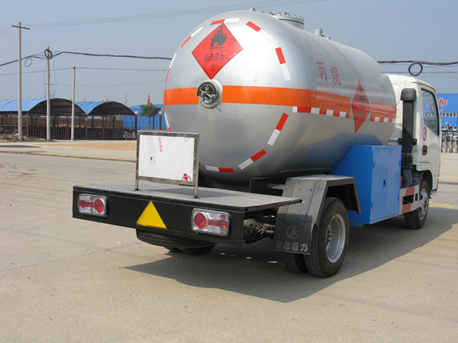 Hot selling in 2015 China 4*2 dongfeng used lpg gas tank truck for sale
