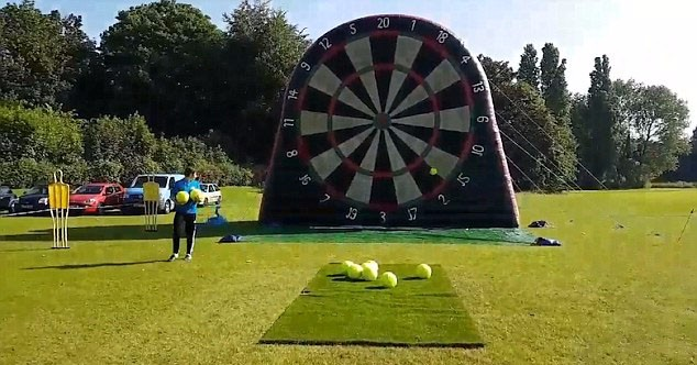 New design giant inflatable dart board for football game