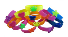 DIY silicone bracelet charming gift for Children,most popular customied logo silicone wristband/armband