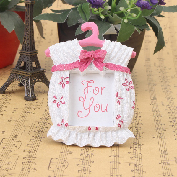 Hot Fashion Cute Resin Baby Cloth Photo Frame