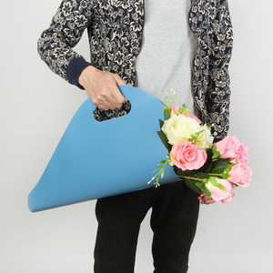 Manufacture whole sale plastic flower carrier bag, flower paper packaging carry bag