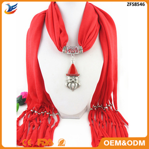 2018 wholesale happy Santa Claus pendant scarf,fashion winter scarf custom