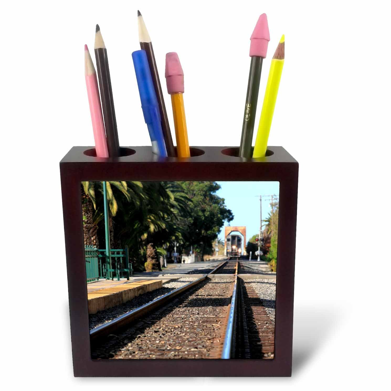 Henrik Lehnerer Designs - Transportation - Ventura Train Station California with a view of the tracks and train. - 5 inch tile pen holder (ph_240389_1)