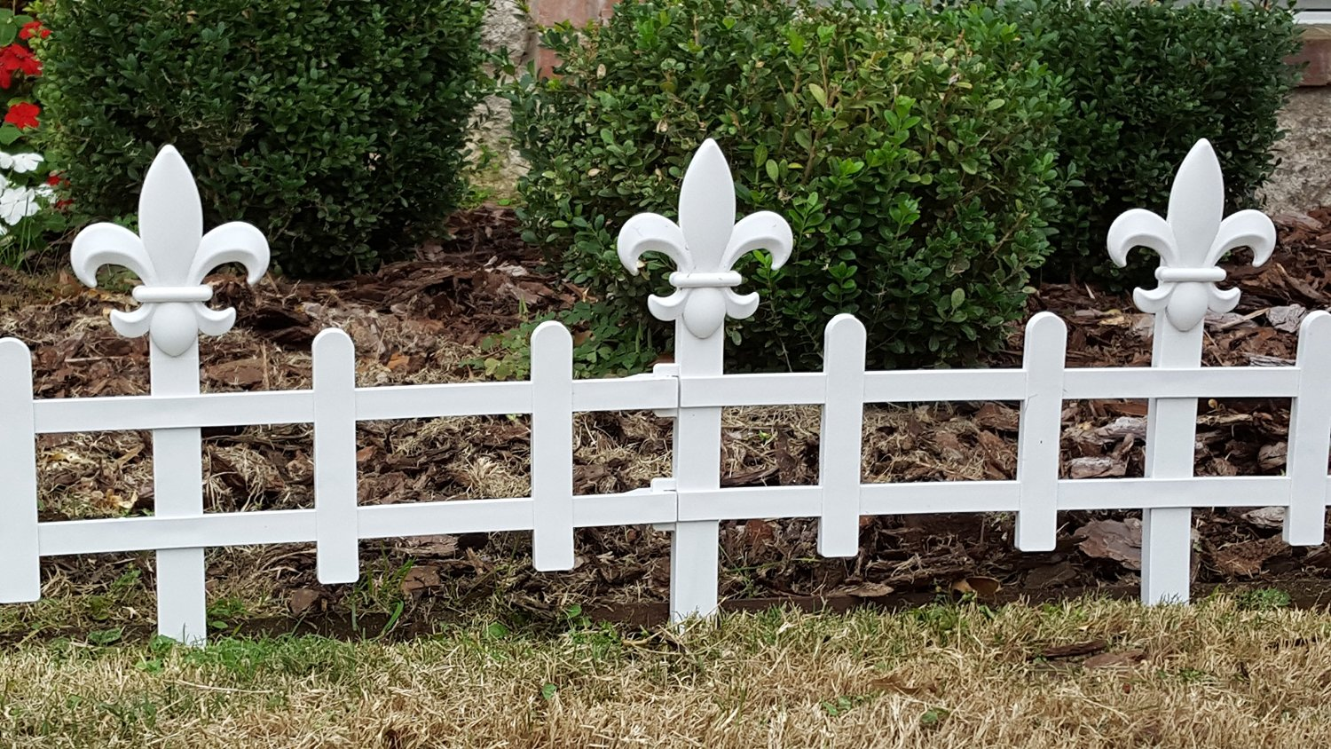 Changing Scapes - Decorative Landscape Fence Panels with Interchangeable Toppers (Flor-de-lis)