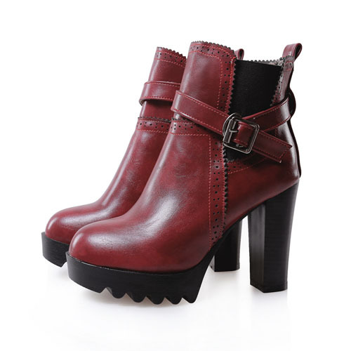See the latest Steve Madden boots, shoes, handbags and accessories at Steve nirtsnom.tk Save with Free Shipping & free in-store returns.