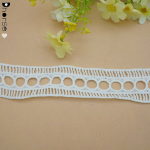 Wholesale price net embroidery crochet cotton eyelet ladder lace trim for garment