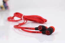 2015 hot 3.5mm in-ear headphones headsets earphones for IPHONE 3 4 4s 5 5s for ipad 2 3 4 mini mp3 mp4 For samsung S5 S6