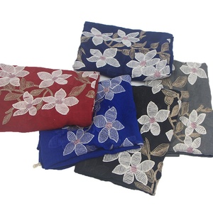 2018 New ladies fashion embroidery floral flower lace scarf frayed cotton plain hijab scarf 180*80cm