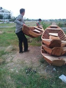 Traditional Vietnamese Canoes Buy Carved Wood Canoe Canoe Kayak Handmade Traditional Product On Alibabacom