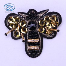 XB013 2018 Latest Design Yellow Sequins Crystal Fabric Hat Collar Fashion Embroidery Bead Animal Bee Brooches