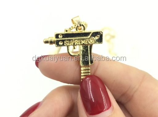 Wholesale 2016 <strong>fashion</strong> 18kgp gold plated uzi gun pendant necklace
