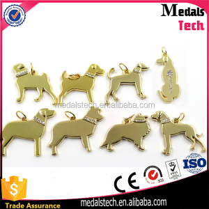 Wholesale cute dog shape alloy gold color personalized metal wine charm