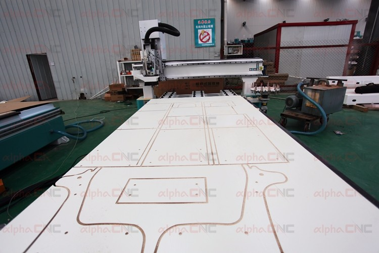 Syntec 6MD bus type controller Japan Yaskawa servo motor atc cnc router